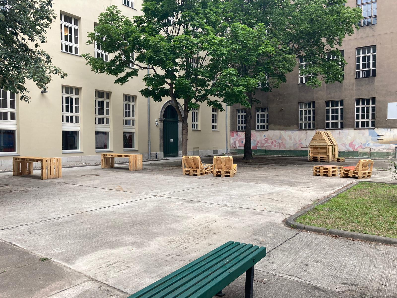 Möbelbau OHO-Schulhof 4